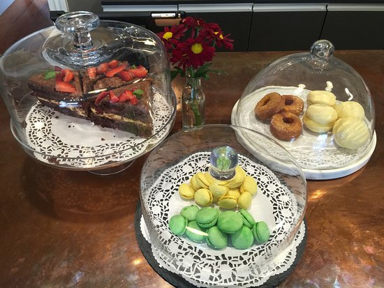 Arthur's Cafe: Sweet selections made in house