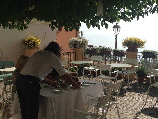 Locanda Rocco: colazione in piazzetta