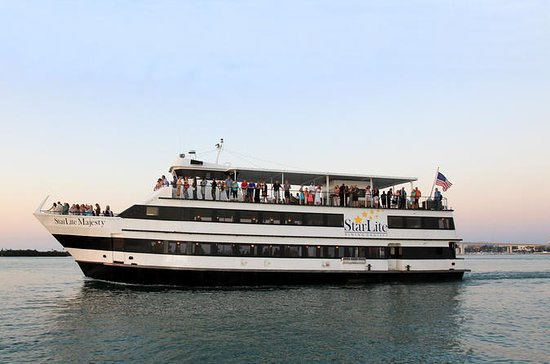 2.5 Hour Daytime Yacht Music Cruise with Optional Dining in Clearwater