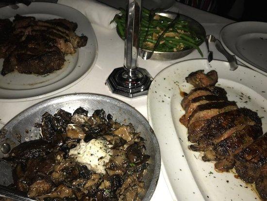 Mastro's Steakhouse: ステーキ