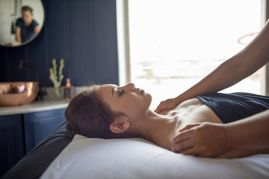 Canggu, Indonesia: Special Floating Bed massages