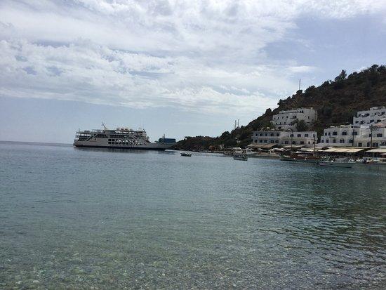 Loutro, Grecia: Båten som tar oss hit