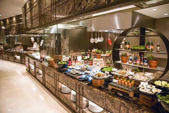 The buffet at Caraway Kitchen, Conrad Bengaluru