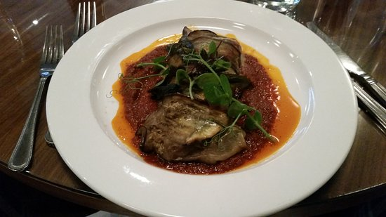 DoubleTree by Hilton Aberdeen City Centre : Aubergine Cannelloni - spiced roast vegetables & brie in tomato & rosemary sauce.
