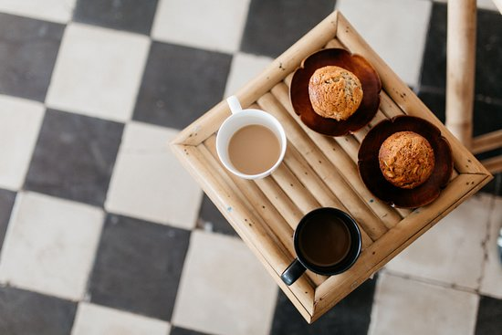 Ezra Library Cafe: Muffins to die for!