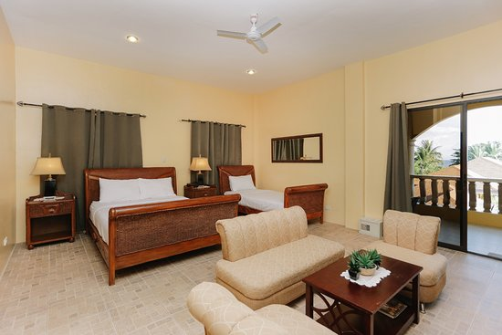 Turtle Bay Dive Resort: Pool-view Superior Family Room