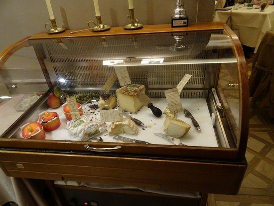 Ristorante Solferino: Carrello dei formaggi