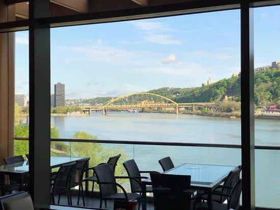 Rivers Casino : Inside the GrandView Restaurant
