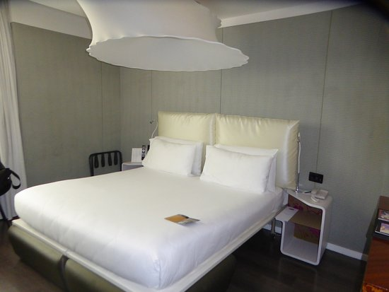 Palazzo Matteotti, The Dedica Anthology: King size bed