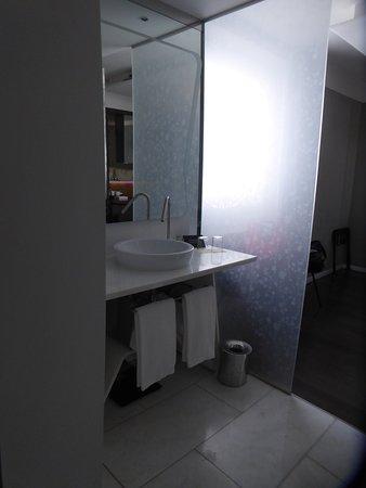 Palazzo Matteotti, The Dedica Anthology: WC