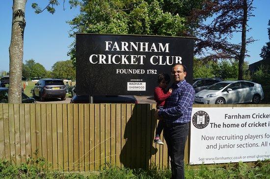 Farnham Castle : The Cricket Club