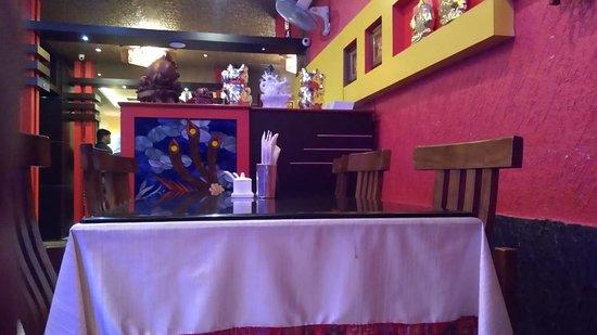 Chung Wah Restaurant: Decoration