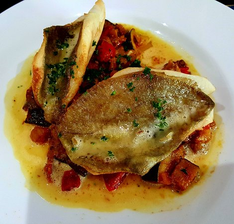 Le Bistrot du Cap: well-cooked john dory