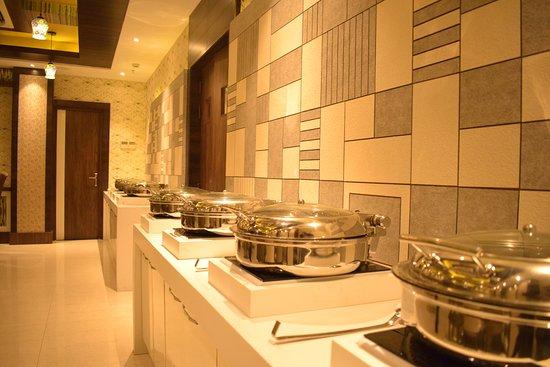 Hotel Uday Palace: BUFFET AREA