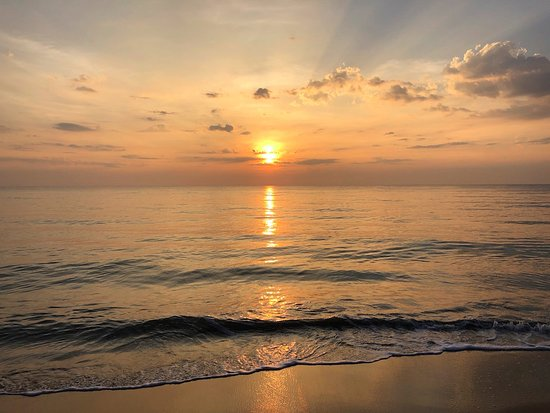 Karpaha Sands Kalkudah calm waters - BEST PLACE TO SWIM IN SRI LANKAwithout fighting waves!