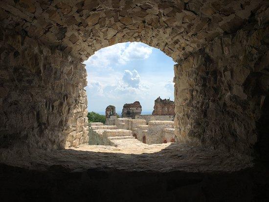 Tenczyn Castle: widok z okna