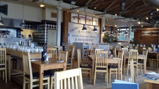 Loch Fyne Seafood & Grill : view towards the open kitchen
