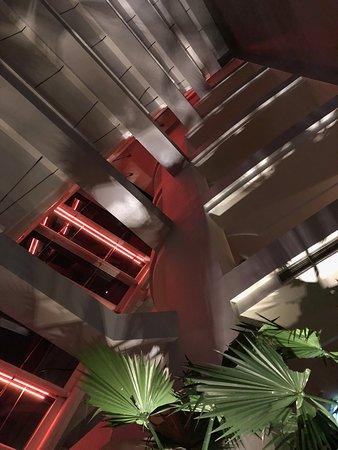 Pullman Bangkok Grande Sukhumvit: The 15th floor conservatory - great architecture