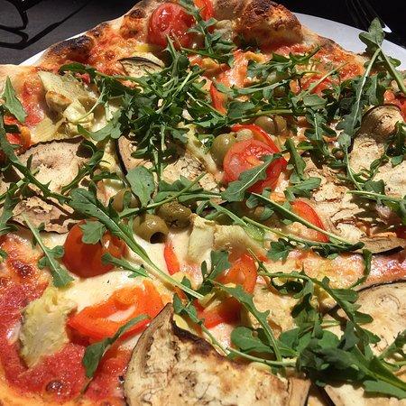 Jine Food & Bar Photo