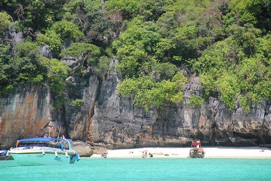เกาะพีพีเล: это пока нет людей, мы первые