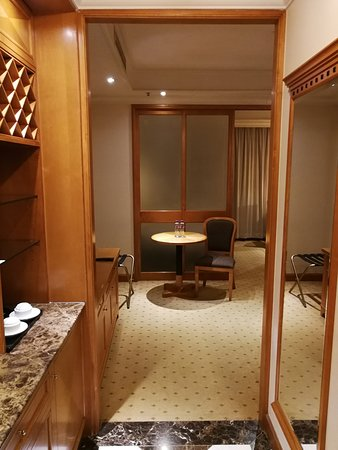 Best Western Plus Hotel Hong Kong: 房間在香港來說也算寬敞