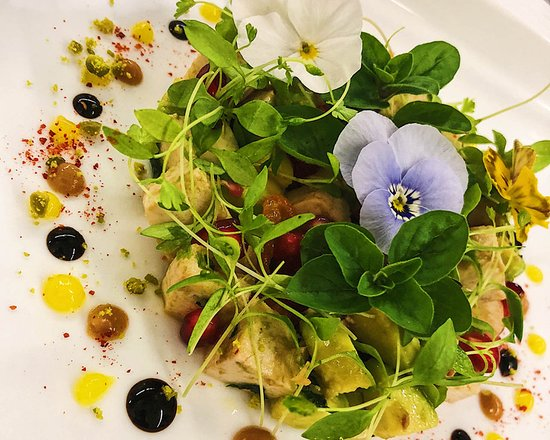Das Hausgast Restaurant : Acovado Lachstatar
