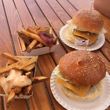 Sobotka, Czech Republic: Nejlepší burger, který jsme kdy jedli!!! 🤗 Hranolky taky výborné. Objednávky u pultu. 🙂