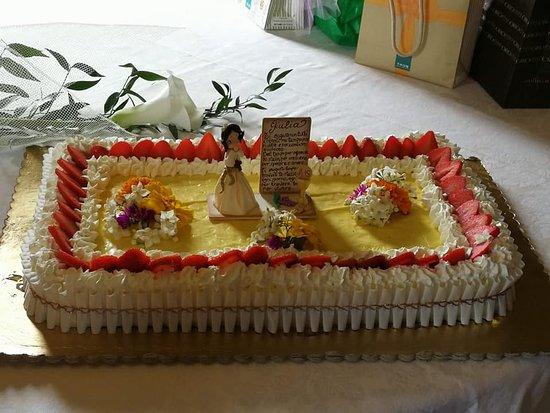 Trisobbio, Italia: torta......... divorata in pochi secondi da quanto era buona