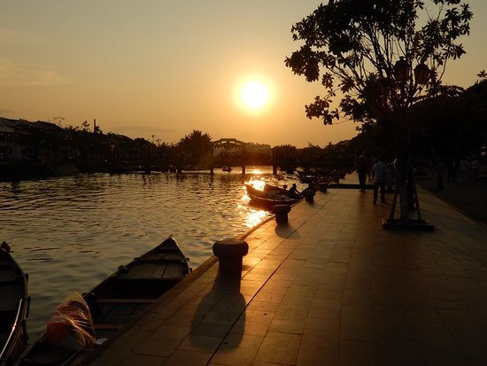 Footprint Vietnam Travel Day Tours: DSCN0430_large.jpg