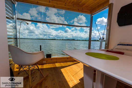 HT Houseboats: Domek na wodzie HT1 z pływającym tarasem