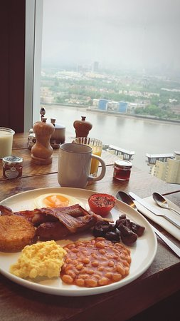 Novotel London Canary Wharf: Cooked breakfast option