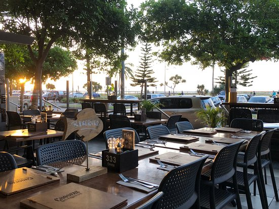 Choofas Smokehouse & Seafood: Make a reservation for your next group night out