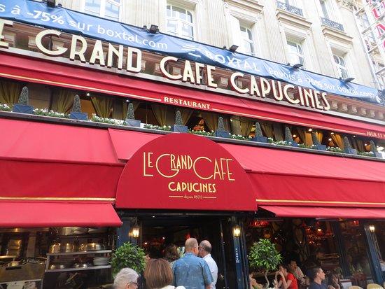 Le Grand Cafe Capucines: Outside Le Grand Cafe