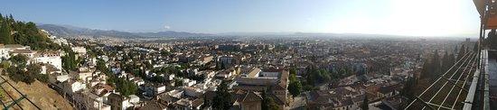Alhambra Palace Hotel: Vistas desde la terraza