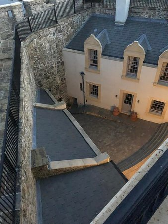 Mingary Castle: View of the courtyard from the upper parapet