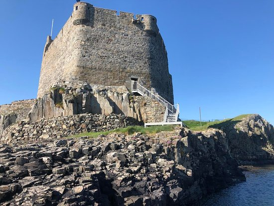 Mingary Castle: View from the sea side