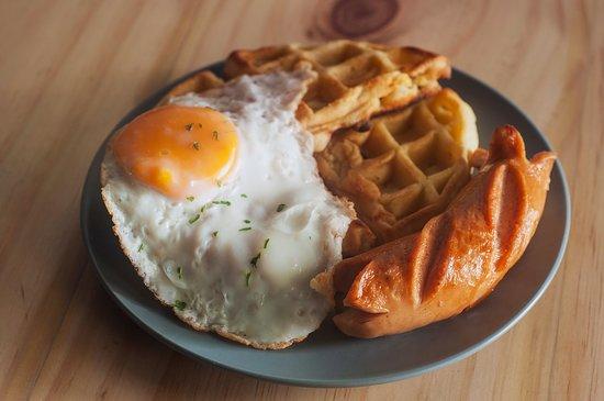 LoCo : Sausage, Egg & Waffle