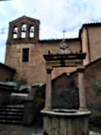 Casa di Santa Caterina: cortile