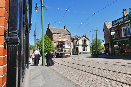 Beamish Museum : A tram waiting in the 1900's town