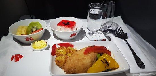 ฮ่องกงแอร์ไลน์ส: Обед на борту