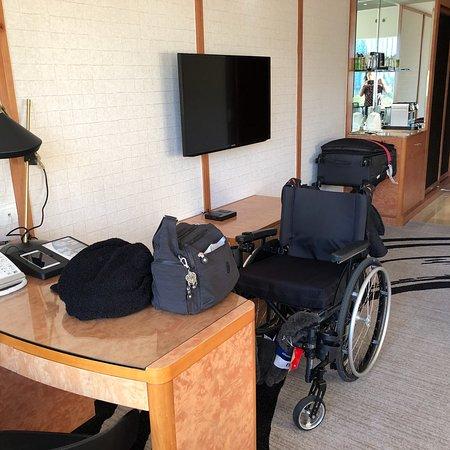 The Park Lane Hong Kong, a Pullman Hotel: Wheel Chair Accessible Room