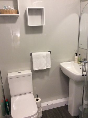 Westbourne Guest House : Room 1 ground floor double with ensuite shower room