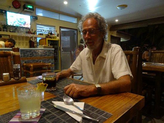 Wellbeach Dive Resort: Wisky coca et Vodka Ananas pour fêter nos 300ème Plongée Annie et 500 ème Plongée Jean-Claude à