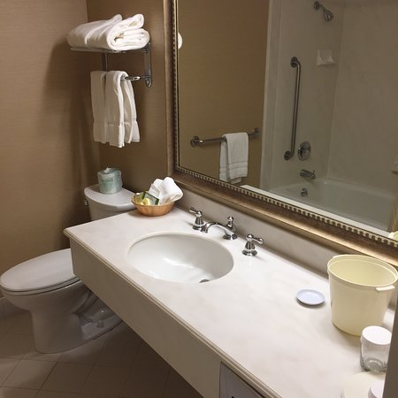 Cow Hollow Inn and Suites: photo4.jpg