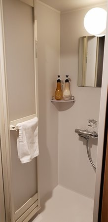 Dormy Inn Ueno Okachimachi: 세미더블룸 욕실