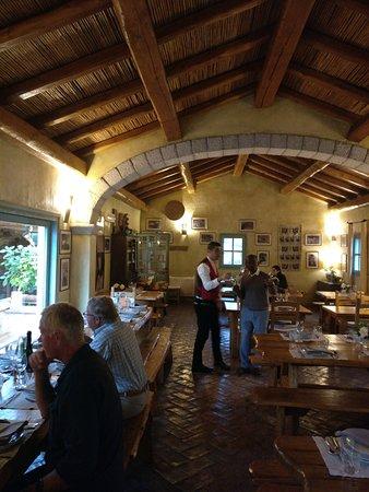 Agriturismo La Colti: Inside dinning area