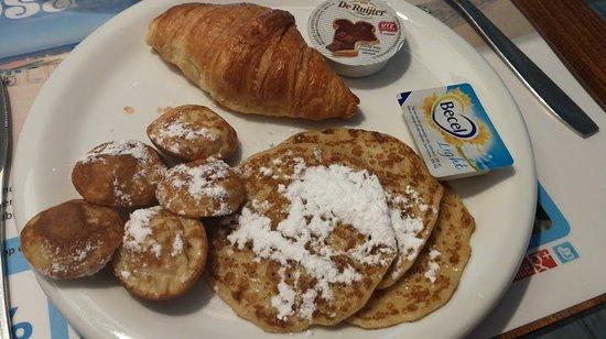 Hotel Mimosa: Ontbijt