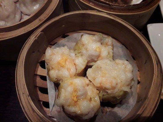 Plum Valley Restaurant : Pork and Prawn Dumplings (with no sauce)
