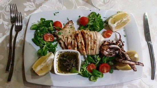 A' Marina: Il nostro pesce del giorno totano fresco grigliato