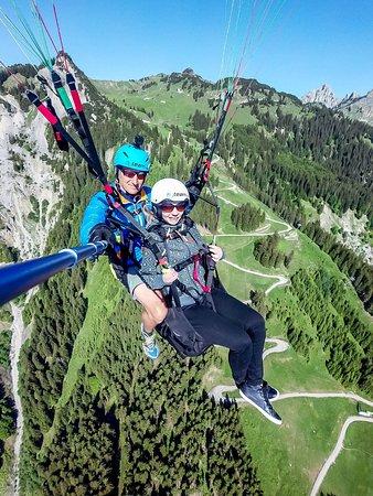 Hofen, Austria: Einfach mal über dem Hahnenkamm hängen lassen :-)